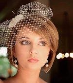 Как украсить свадебную прическу на короткие волосы фатой