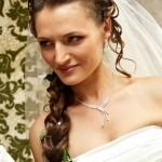 cvadebnye-pricheski-kosy-na-dlinnye-volosy_29