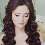 pricheski-svadebnye-lokony_12