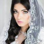 pricheski-svadebnye-lokony_18
