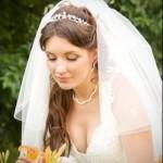pricheski-svadebnye-lokony_24