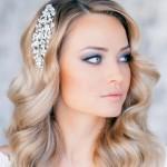 pricheski-svadebnye-raspushhennye-volosy_13