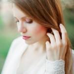pricheski-svadebnye-raspushhennye-volosy_7