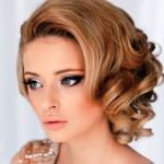 svadebnye-pricheski-na-kare_19