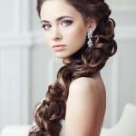 svadebnye-pricheski-s-nakladnymi-pryadyami_4