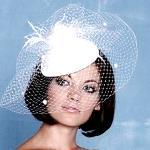 Какую свадебную прическу сделать под шляпку