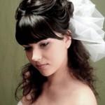 pricheski-svadebnye-s-nachesom_9