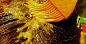 Нанесение маски для волос из горчичного порошка