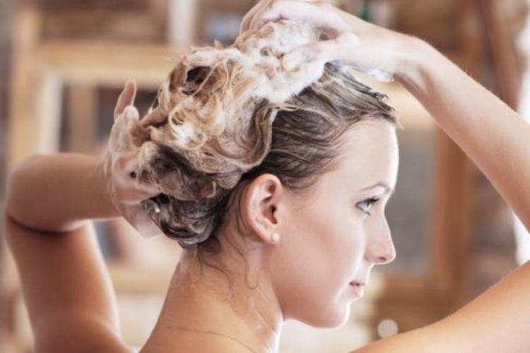 Как наносить оттеночную пенку для волос