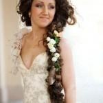 pricheski-svadebnye-s-zhivymi-cvetami-foto_9