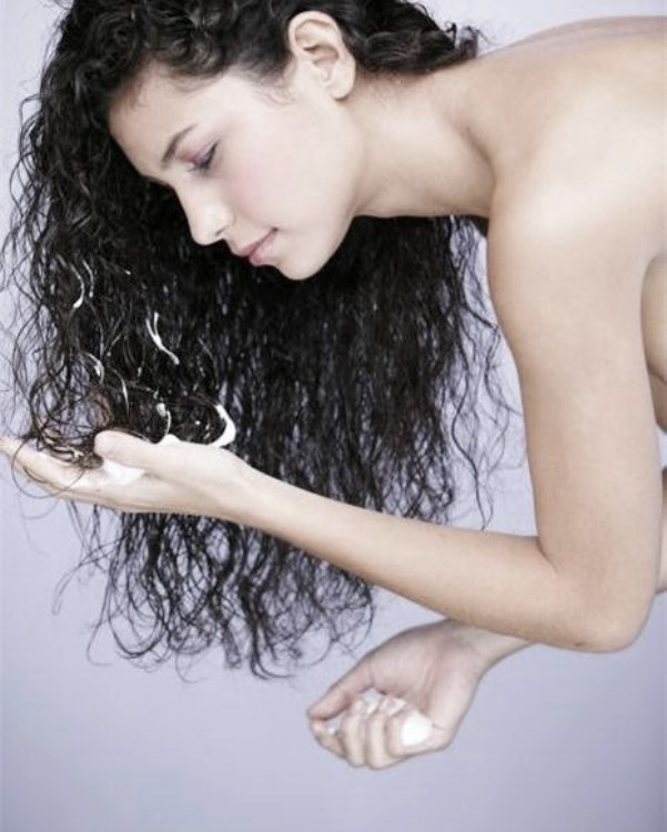 Как наносить пенку для укладки волос