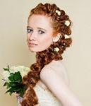 Использование косы в свадебных прическах