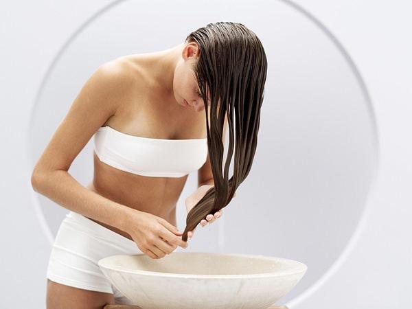 Процедура ополаскивания волос яблочным уксусом