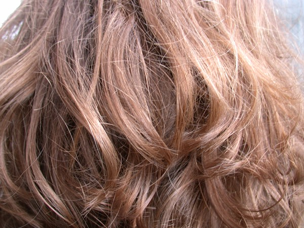 Как расчесать сильно запутанные искусственные волосы