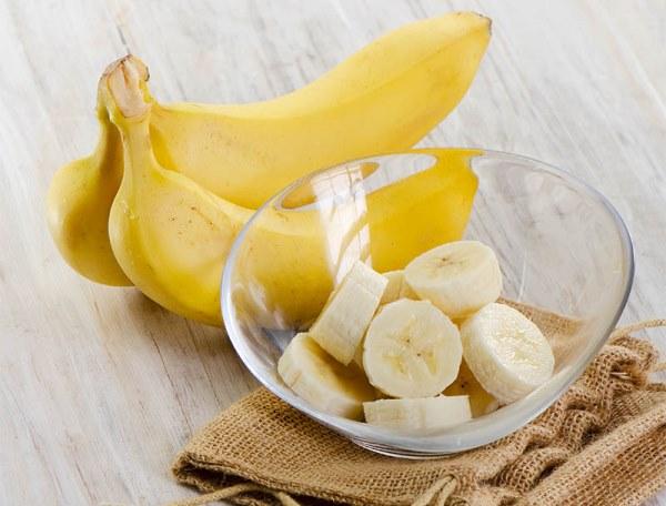 Как приготовить банановую маску для мелированных волос