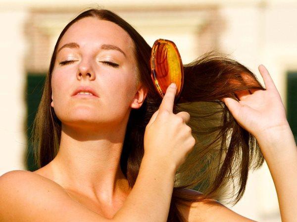 Какую расческу использовать для мелированных волос