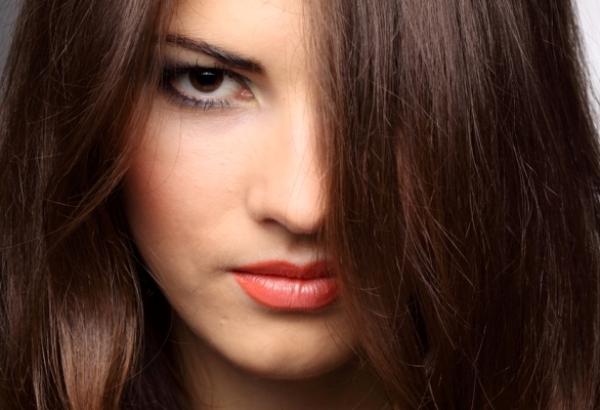 Когда добавлять басму при окрашивании волос хной