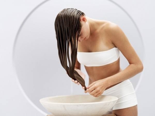 Как провести процедуру мытья волос содой