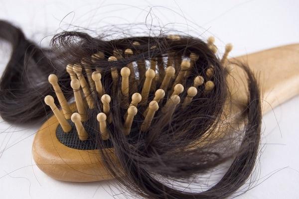 Особенности повседневного ухода при выпадении волос
