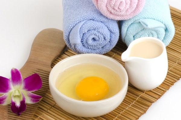 Как правильно использовать яйцо для мытья волос